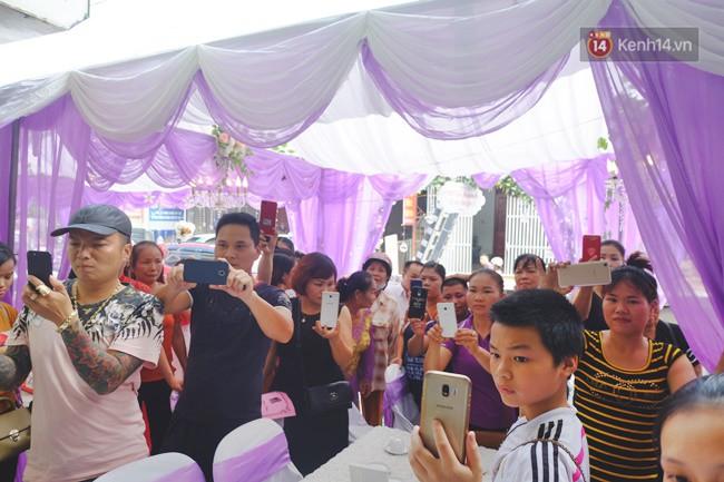 Cô dâu 62 chú rể 26 ở Cao Bằng: Ảnh cặp đôi rạng rỡ trong ngày cưới - Ảnh 6.