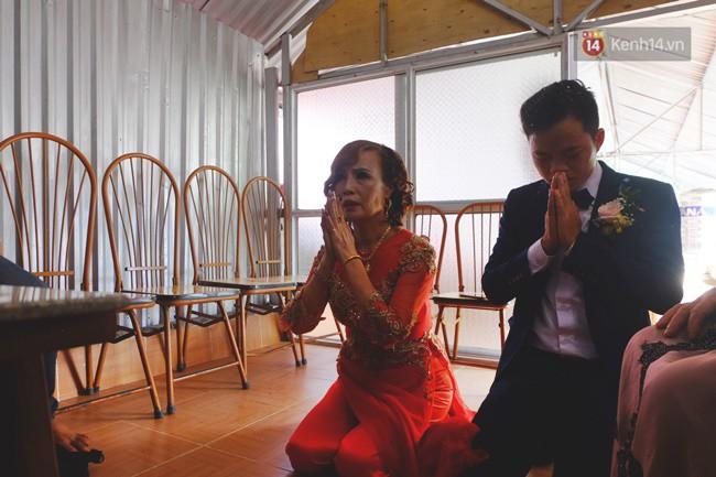 Cô dâu 62 chú rể 26 ở Cao Bằng: Ảnh cặp đôi rạng rỡ trong ngày cưới - Ảnh 5.