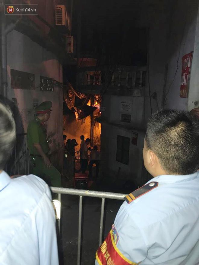 Cập nhật: Phát hiện phần thi thể trong vụ cháy dãy trọ cạnh viện nhi Trung ương - Ảnh 5.
