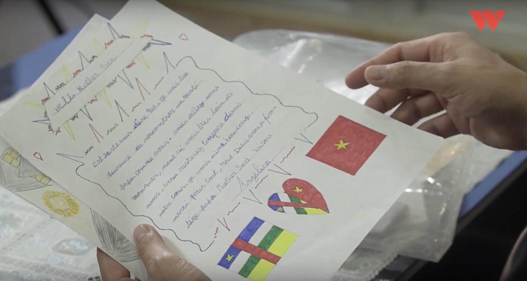 """Câu chuyện đẹp về người sĩ quan Việt dạy học trên đất Trung Phi: """"Nhìn các con bò ra ghế học chữ trong trời tối, tôi thương lắm"""" - Ảnh 6."""