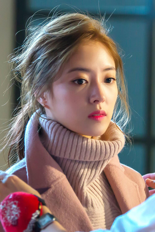 Sao nhí Nàng Dae Jang Geum một thời tung ảnh hậu trường đẹp mê hồn, đáng chú ý là chiếc mũi sắc lẹm của cô - Ảnh 15.