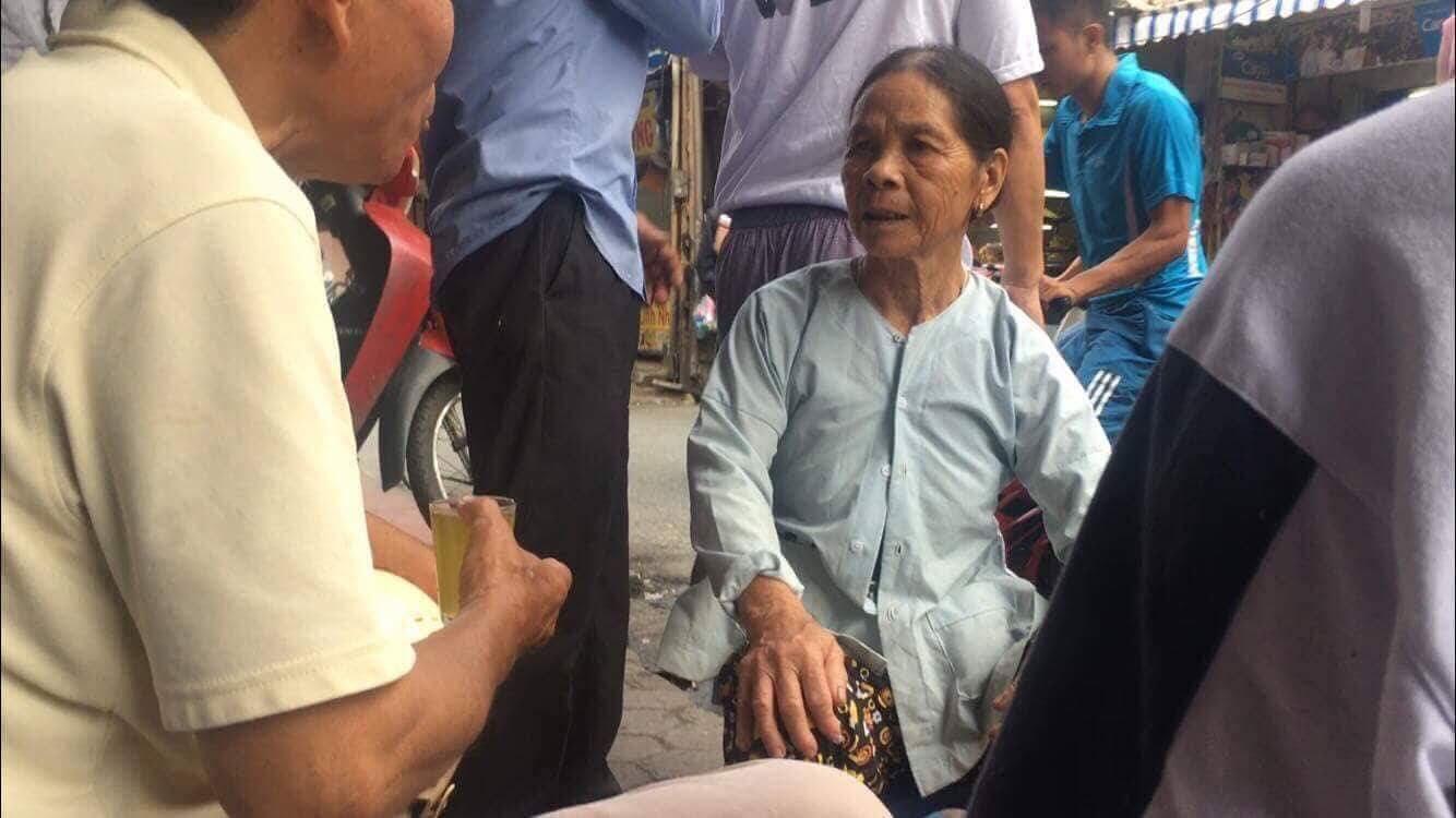 Vụ phát hiện thi thể sau đám cháy dãy trọ gần viện Nhi TW: Người mẹ nhận ra con gái qua chiếc vòng đeo cổ - Ảnh 2.