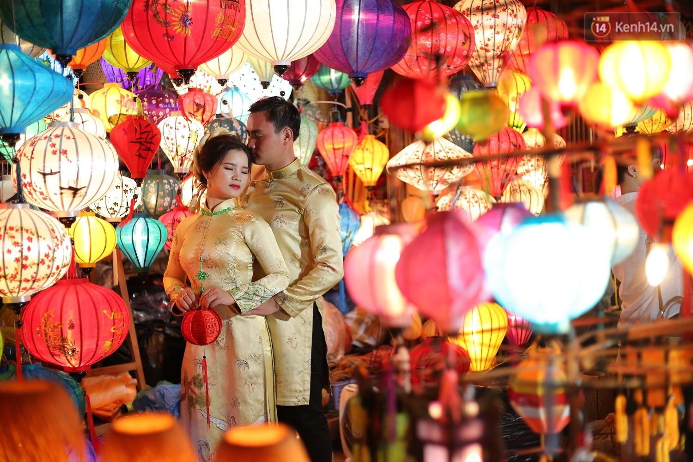 Nghề làm đèn lồng truyền thống ở phố cổ Hội An tất bật những ngày cận Trung thu - Ảnh 9.