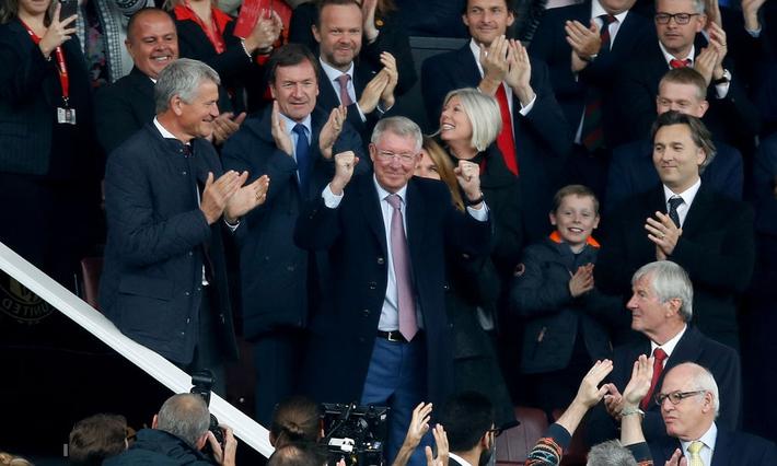 Linh vật khai nòng, Old Trafford đón Sir Alex trở lại bằng trận hòa đầy thất vọng - Ảnh 3.