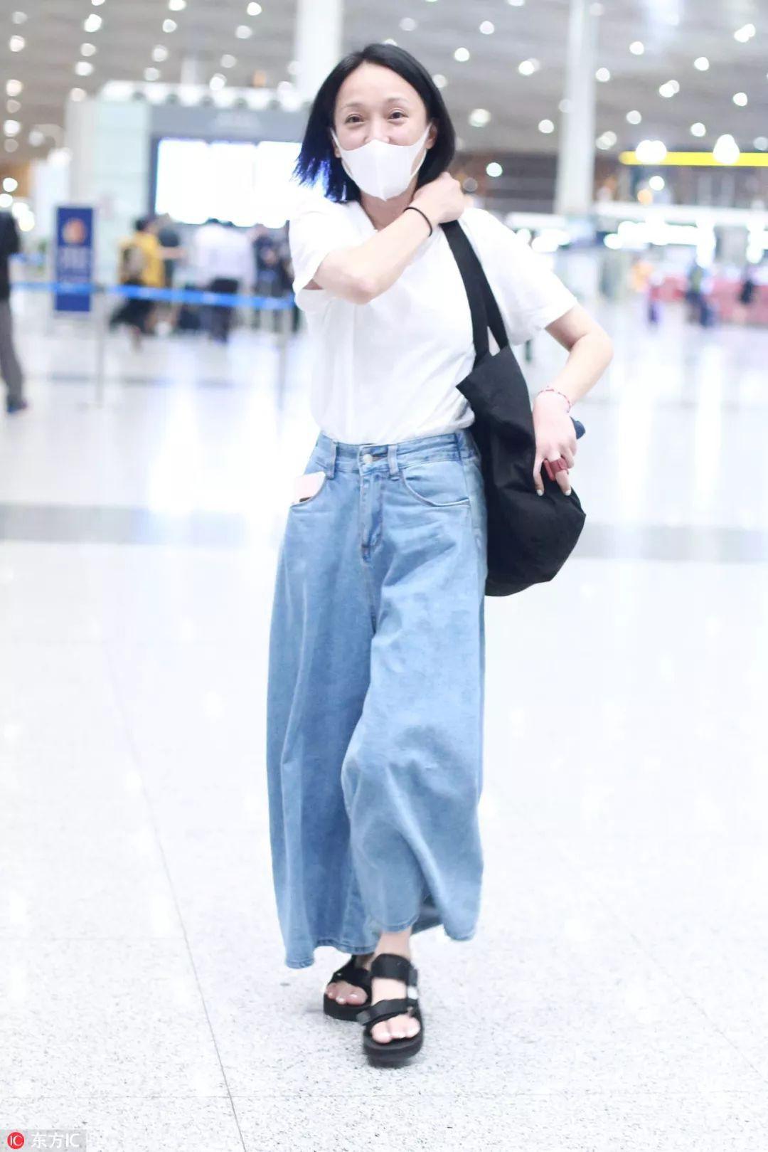Giàu có và là đại hoa đán nhưng cứ ra sân bay, Châu Tấn sẽ chẳng màng hình tượng mà diện đồ xuề xòa thế này - Ảnh 10.