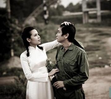 Muôn kiểu chụp ảnh cưới của sao Việt: Người đeo dép tổ ong, người hoá trang thành ông bà lão 80 tuổi - Ảnh 4.