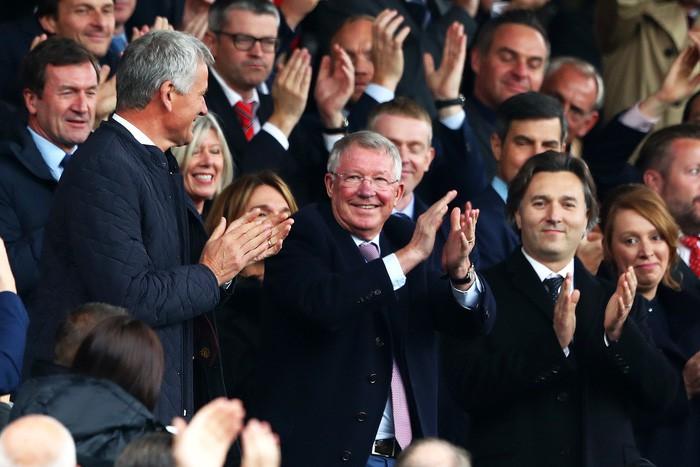 Sir Alex khỏe mạnh, rạng rỡ trong ngày MU bị cầm hòa đáng tiếc tại Old Trafford - Ảnh 2.