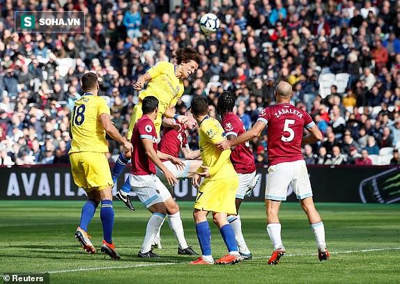 """Chelsea """"tra tấn"""" người hâm mộ bằng sự vô duyên đến khó tin ngày derby London - Ảnh 1."""