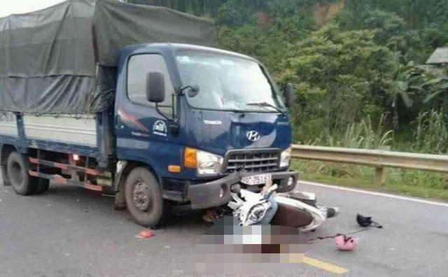 Va chạm với xe tải, 2 anh em tử vong trên đường về quê 1