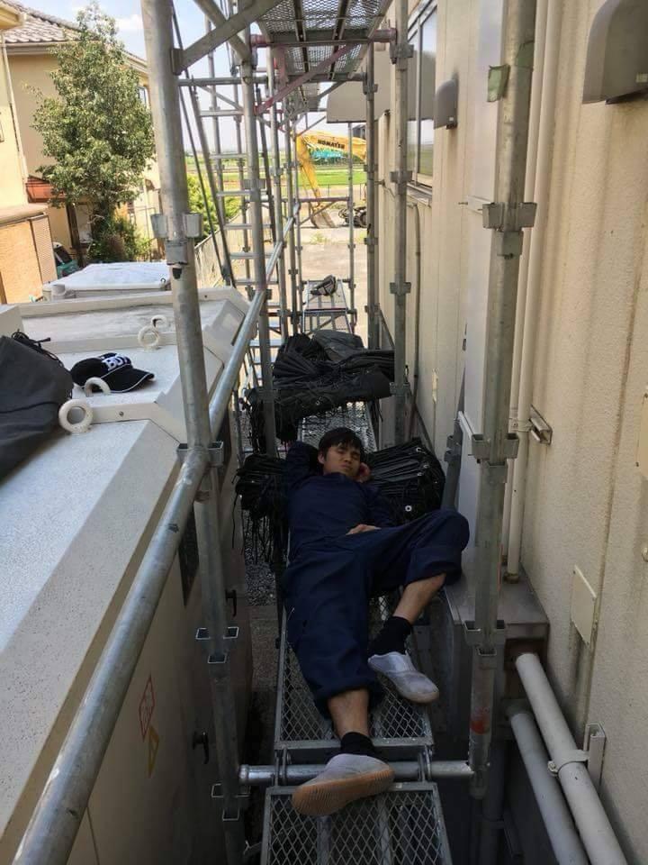 Chùm ảnh: Cư dân mạng Việt tại Nhật chia sẻ những giấc ngủ vội vàng giữa ca làm việc - Ảnh 2.