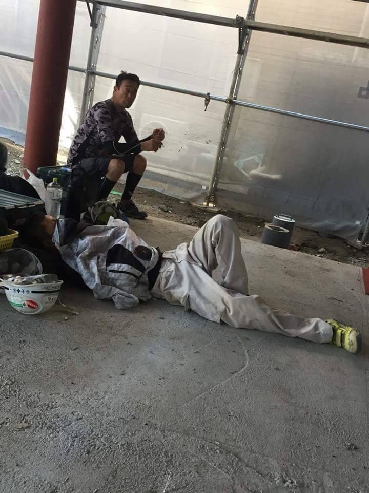 Chùm ảnh: Cư dân mạng Việt tại Nhật chia sẻ những giấc ngủ vội vàng giữa ca làm việc - Ảnh 11.
