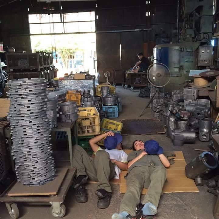 Chùm ảnh: Cư dân mạng Việt tại Nhật chia sẻ những giấc ngủ vội vàng giữa ca làm việc - Ảnh 13.