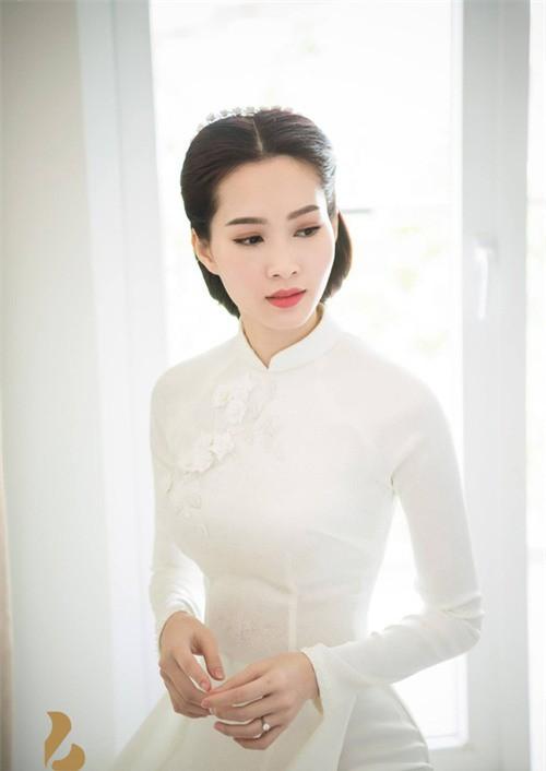 Nhẫn kim cương Trường Giang tặng Nhã Phương lớn nhưng vẫn chưa phải giá trị nhất showbiz Việt - Ảnh 15.