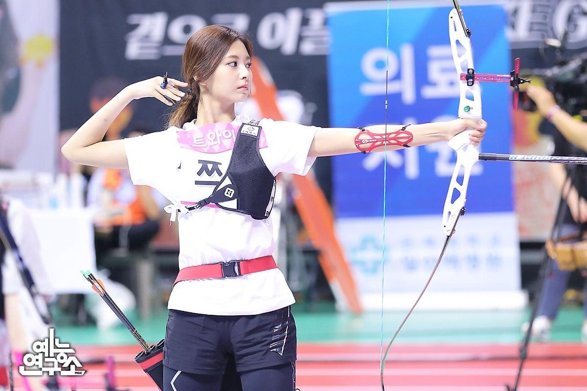 Dàn Idol đình đám Kpop đẹp khó cưỡng tại đại hội thể thao tết Trung thu - Ảnh 4.