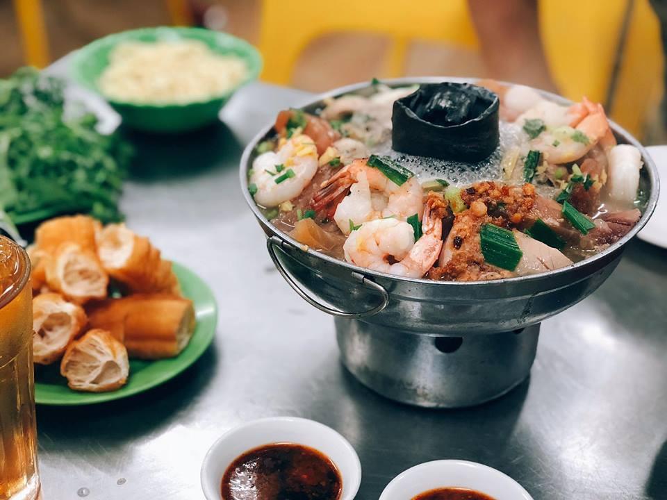 Nếm thử những quán lẩu Hồng Kông bên hông Chợ Lớn với vô vàn hương vị mới lạ không phải ai cũng biết - Ảnh 1.