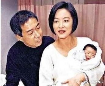 Đông Phương Bất Bại Lâm Thanh Hà ly hôn tỷ phú Hong Kong sau 24 năm chung sống vì không chịu nổi cảnh ngoại tình - Ảnh 2.