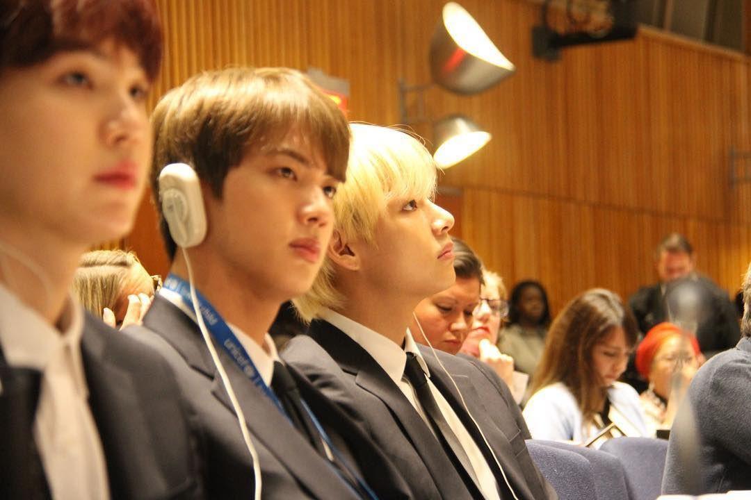 Thánh tiên đoán Suga (BTS): Phán Jin nổi tiếng thế giới vì điển trai, ai ngờ chuyện thành thật ngay tại Liên Hợp Quốc - Ảnh 2.