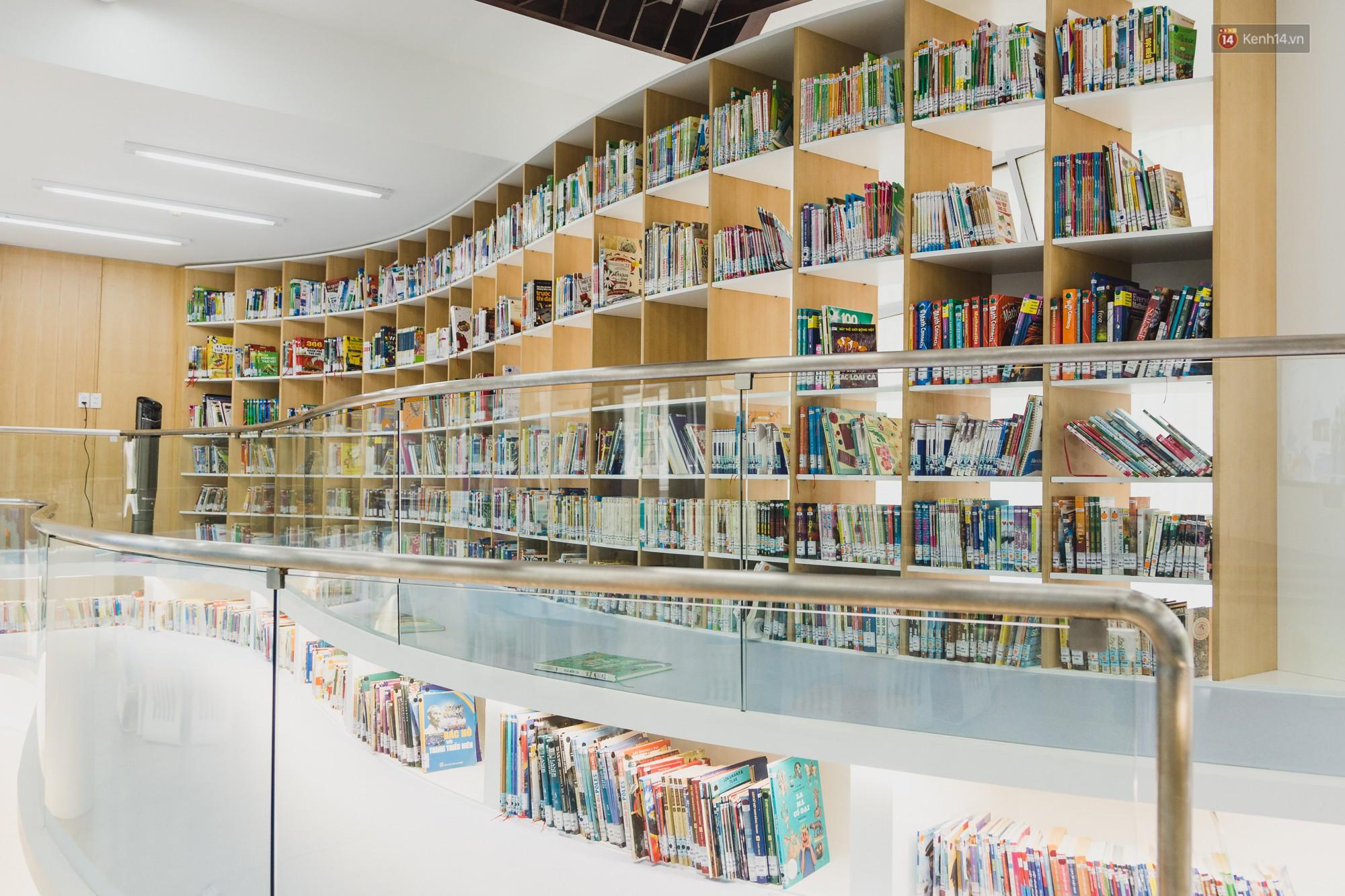 Thư viện thông minh đầu tiên dành cho thiếu nhi ở TP.HCM: Đẹp như sân chơi, có cả ngàn đầu sách và lên hình siêu ảo - Ảnh 3.