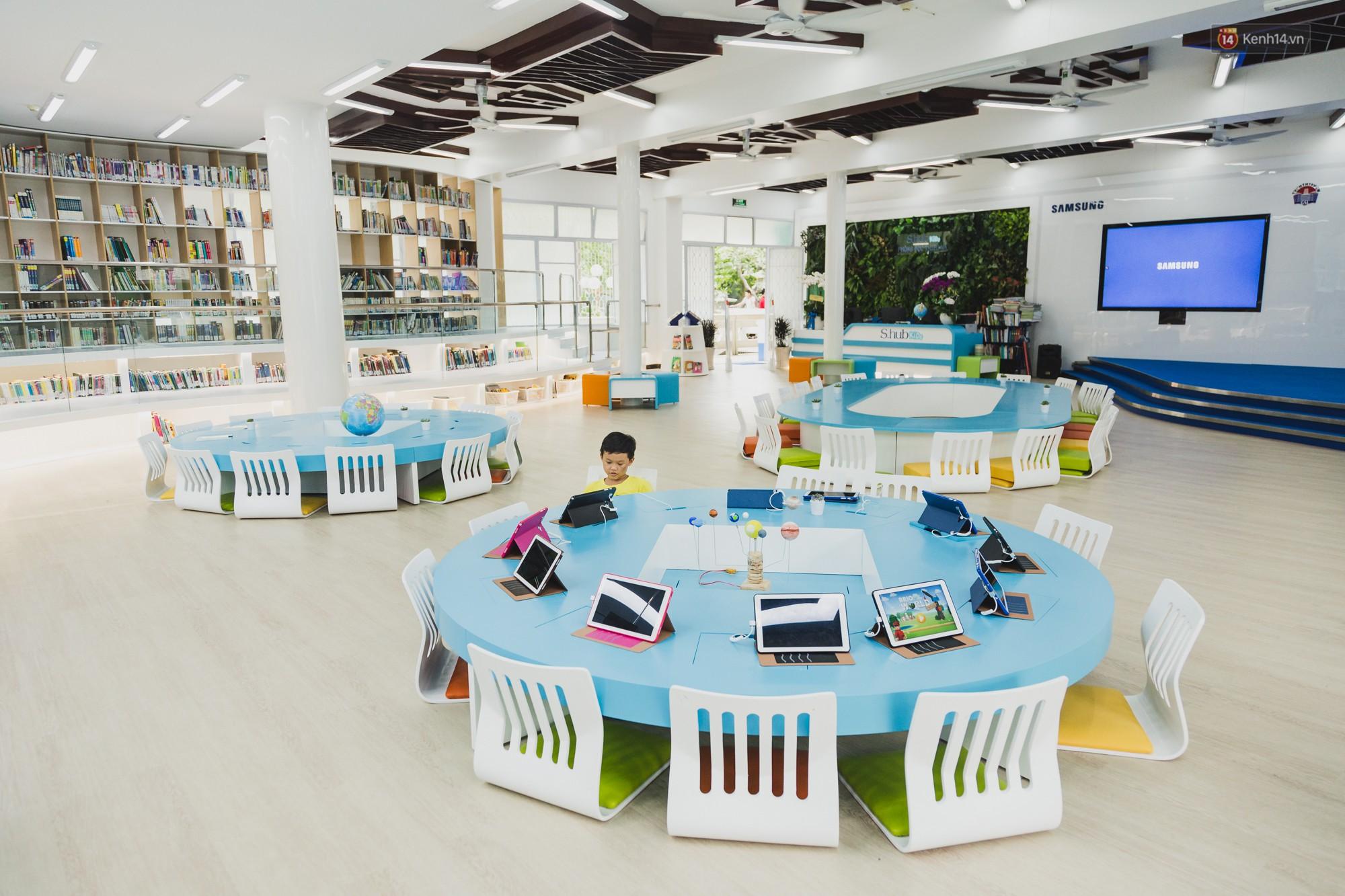 Thư viện thông minh đầu tiên dành cho thiếu nhi ở TP.HCM: Đẹp như sân chơi, có cả ngàn đầu sách và lên hình siêu ảo - Ảnh 1.