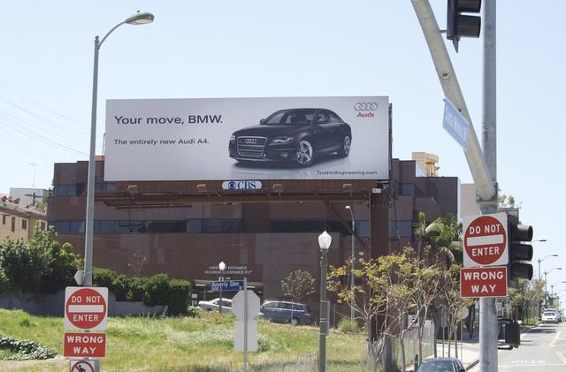 Chiến tranh giữa các vì sao: Khi các thương hiệu lớn dìm hàng nhau không thương tiếc bằng quảng cáo - Ảnh 13.