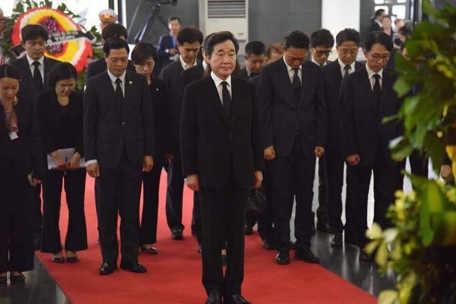 Quốc tang Chủ tịch nước Trần Đại Quang: Thủ tướng Hàn Quốc ghi sổ tang - Ảnh 4.