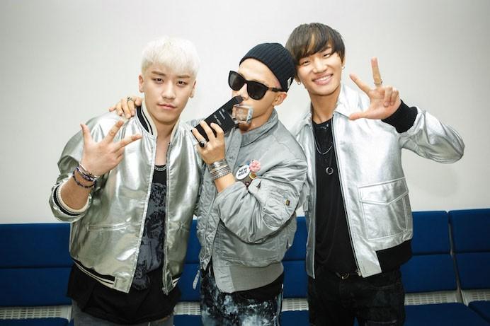 Taeyang & Daesung gửi lời nhắn nhủ đến em út Seungri từ quân ngũ - Ảnh 2.