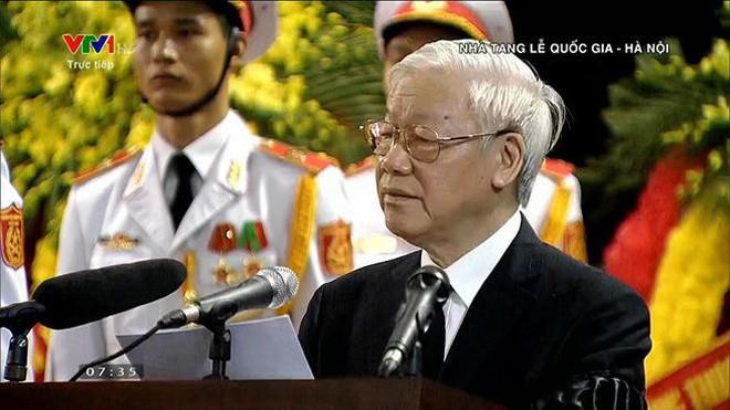 [TRỰC TIẾP] Xe tang đưa linh cữu Chủ tịch nước Trần Đại Quang về quê hương Ninh Bình - Ảnh 47.
