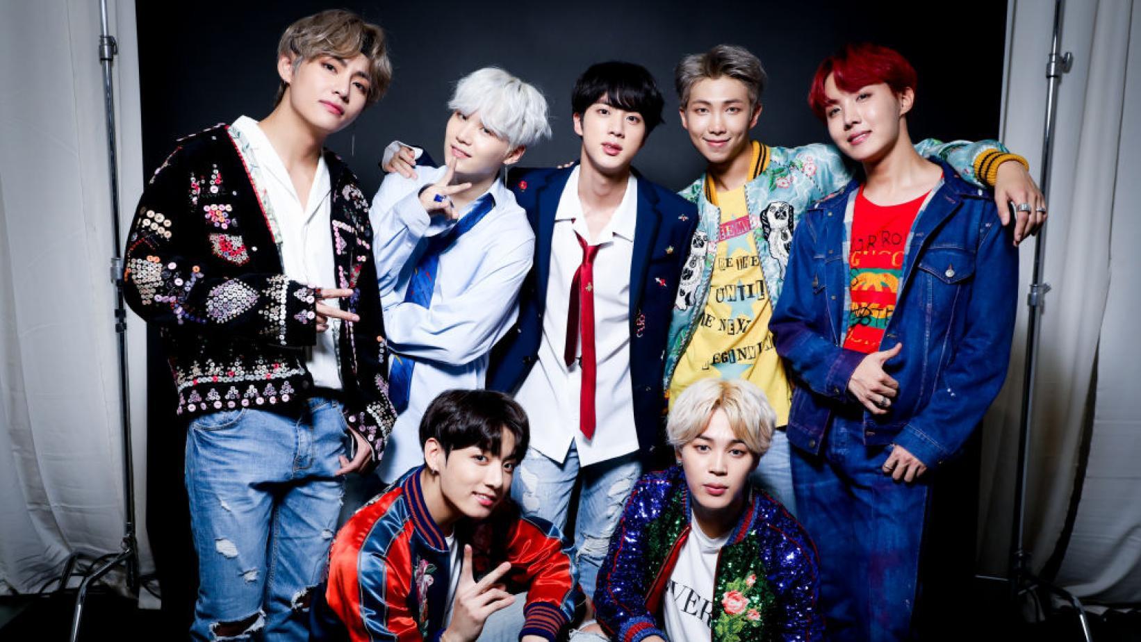 Nghỉ chơi với sân nhà Hàn Quốc, BTS giờ là khách mời thường xuyên của show Mỹ - Ảnh 1.
