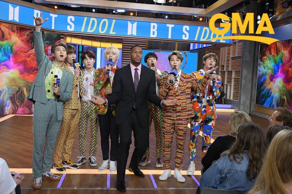 Nghỉ chơi với sân nhà Hàn Quốc, BTS giờ là khách mời thường xuyên của show Mỹ - Ảnh 4.