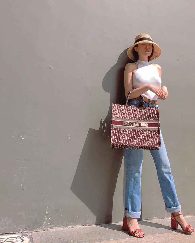 Thu mới vừa chớm mà dàn hot girl Việt đã khoe 1001 kiểu street style, kiểu nào cũng dát đầy hàng hiệu! - Ảnh 13.