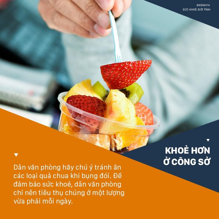 Dân văn phòng hay ăn vặt nhớ né những thói quen sau kẻo gây hại sức khỏe - Ảnh 3.