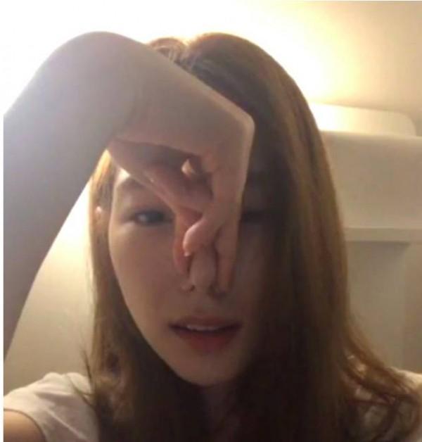 Đây chính là màn đáp trả cực ngầu của Taeyeon khi bị antifan chế nhạo mũi to hơn khi hát - Ảnh 2.