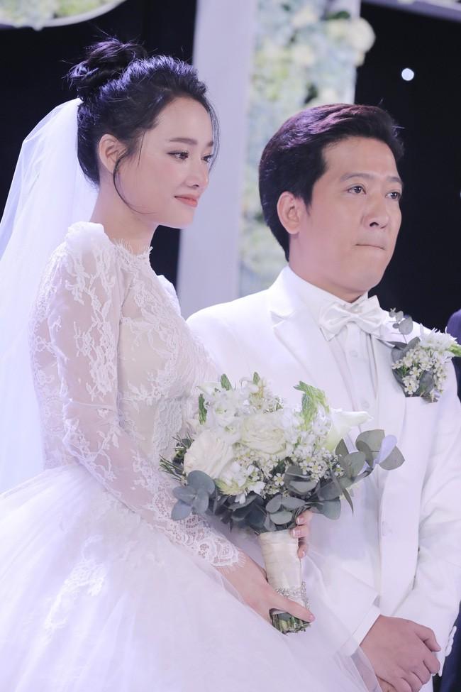 Váy cưới Nhã Phương nhìn hao hao váy cưới Hoa hậu Đặng Thu Thảo - Ảnh 3.