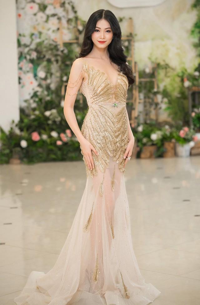 Không phải Mâu Thuỷ, đây mới là đại diện Việt Nam chinh chiến tại đấu trường Hoa hậu Trái đất 2018 - Ảnh 3.