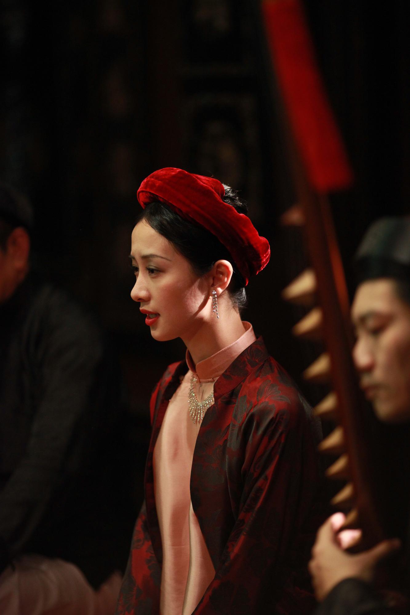 Jun Vũ trong Người Bất Tử: Tập hát ả đào và thoải mái đóng cảnh nóng - Ảnh 3.