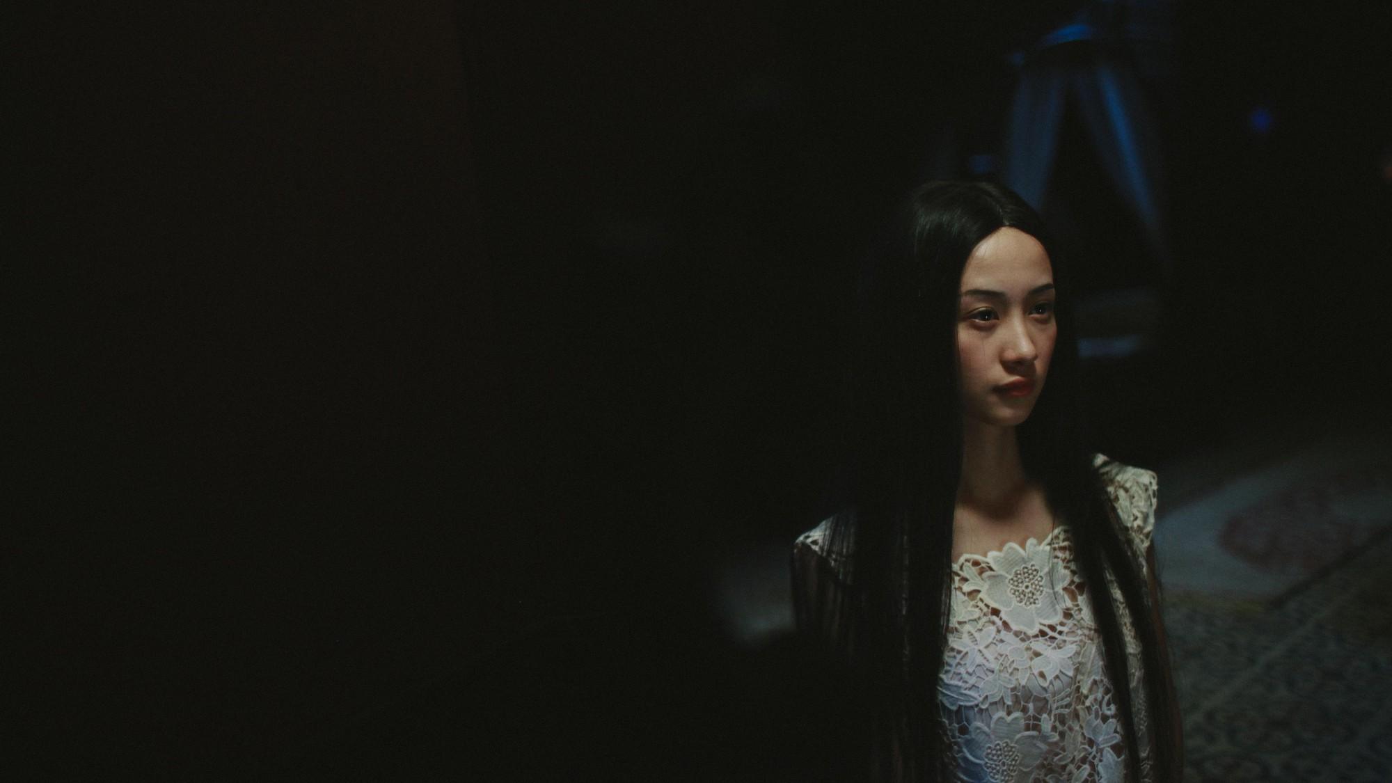 Jun Vũ tập hát ả đào, thoải mái đóng cảnh nóng trong Người Bất Tử - Ảnh 11.