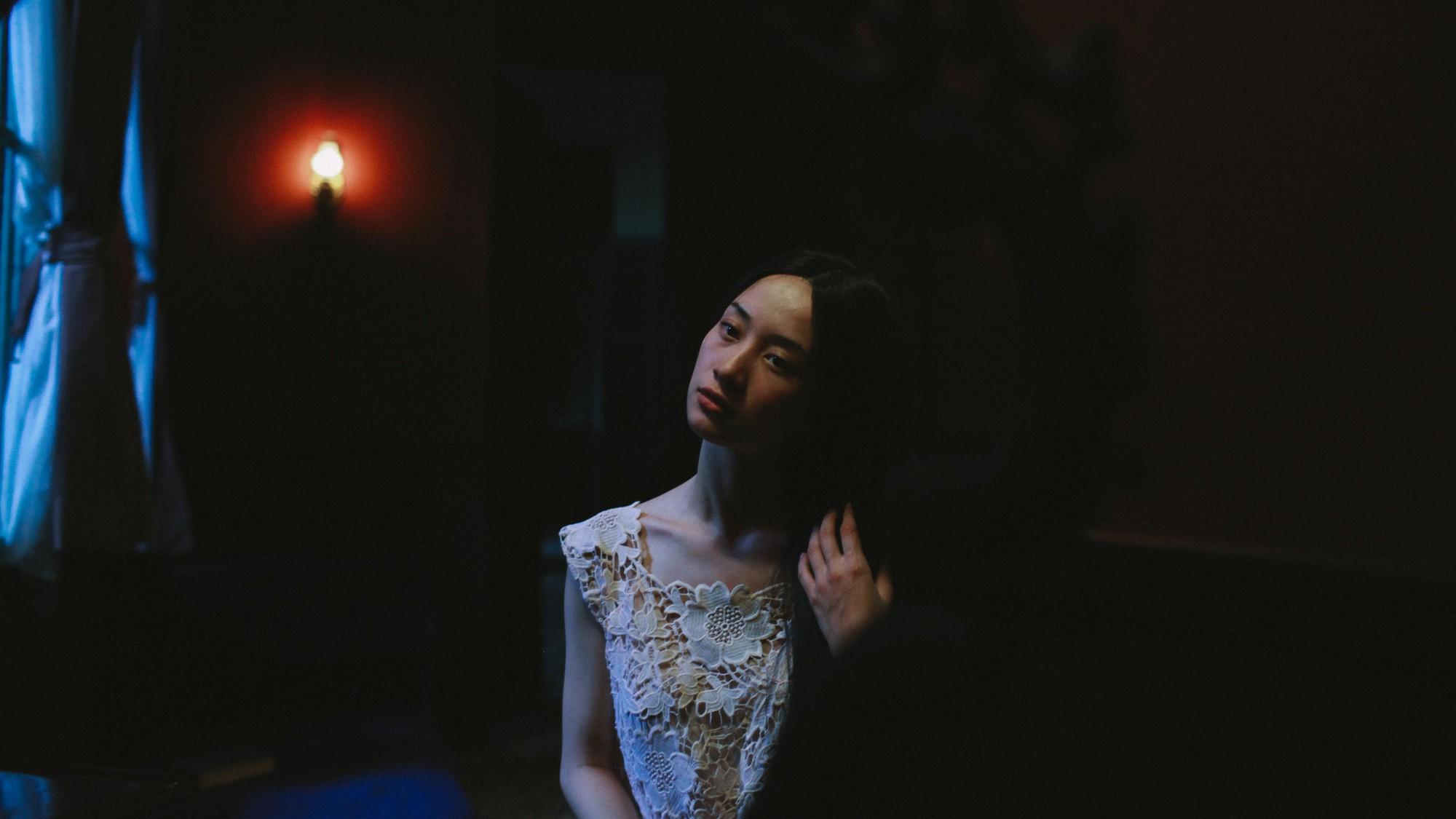 Jun Vũ trong Người Bất Tử: Tập hát ả đào và thoải mái đóng cảnh nóng - Ảnh 9.