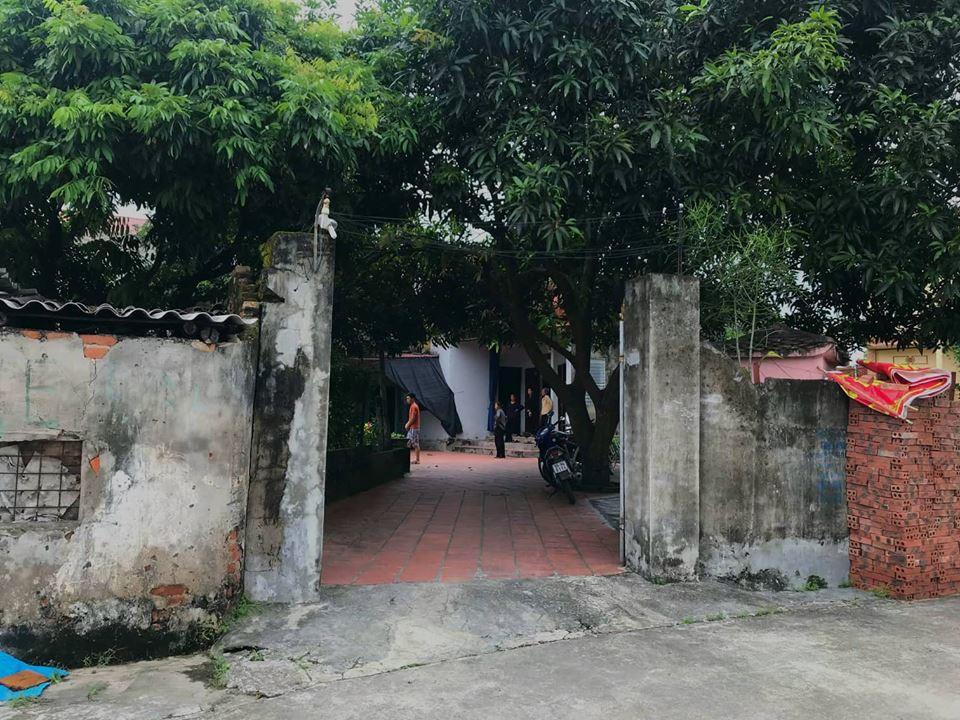 Gia cảnh đáng thương của người mẹ đơn thân tử vong vì thanh sắt rơi: Vừa đưa con gái lên Hà Nội nhập học lớp 1 - Ảnh 1.