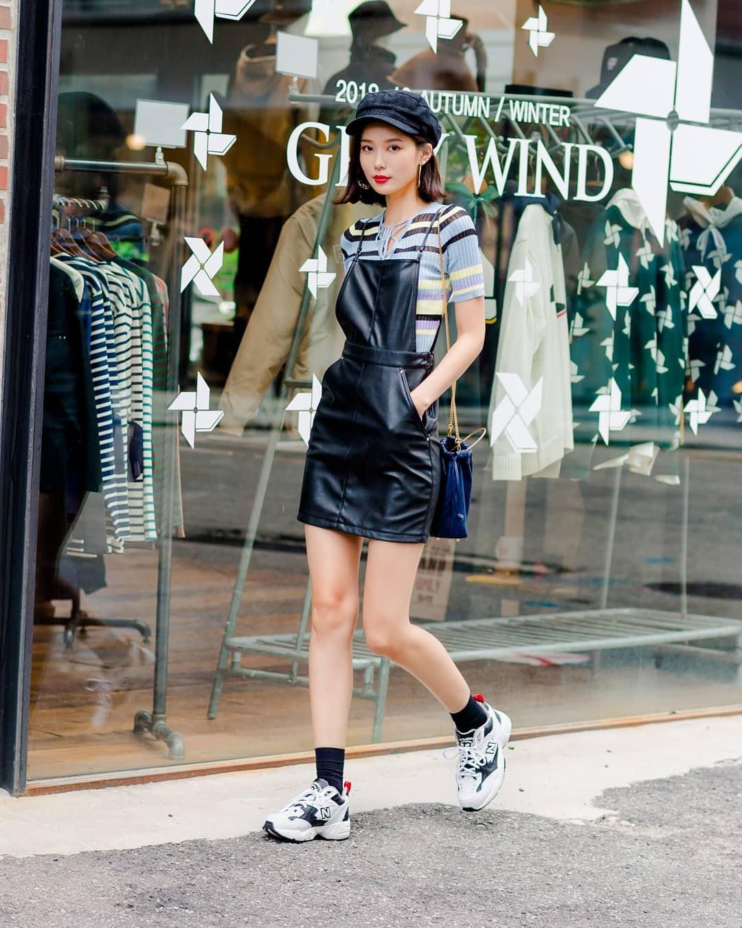 Không có lấy một set đồ bánh bèo, street style của con gái Hàn tuần qua toàn những ca cool ngầu siêu hút mắt - Ảnh 5.