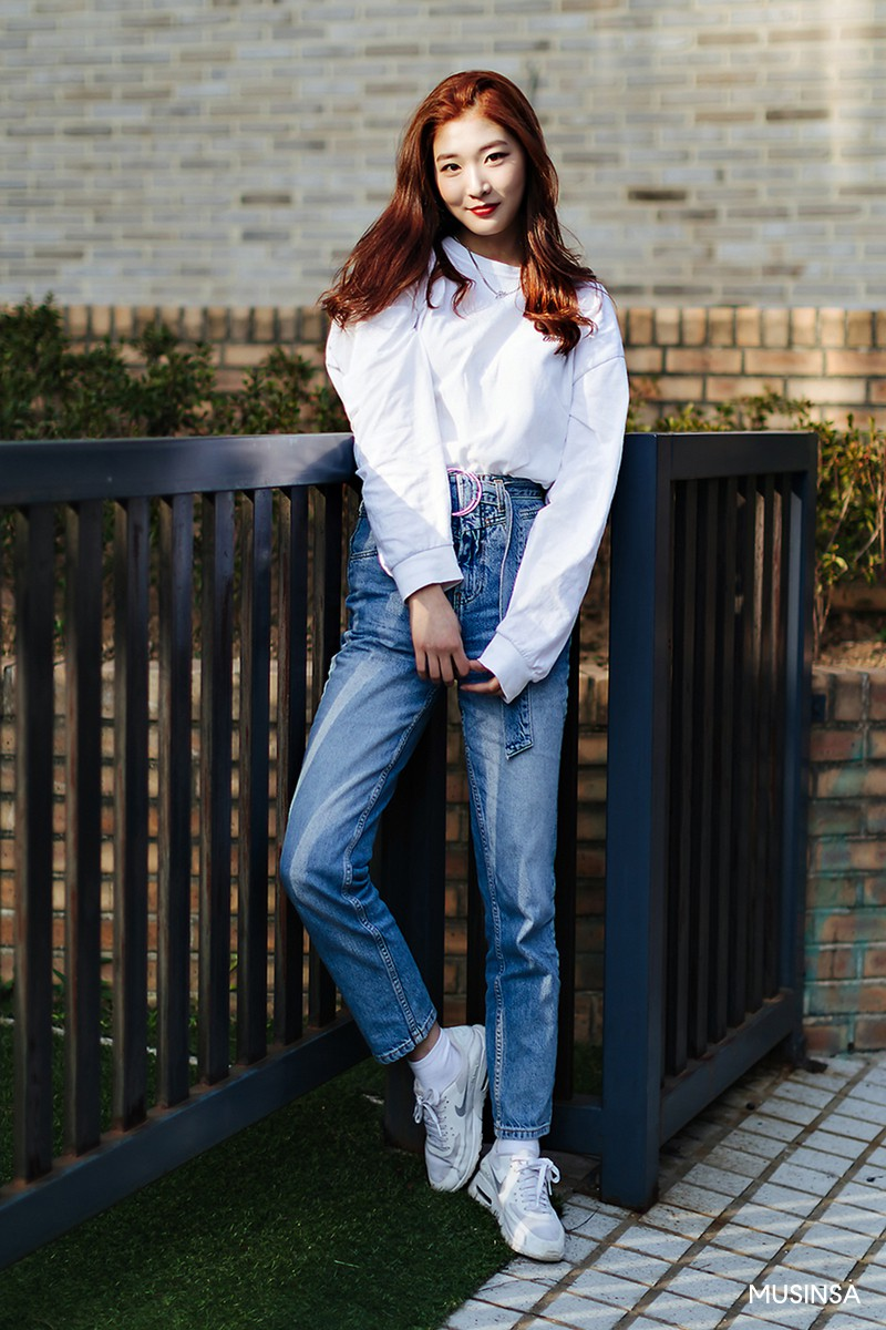 Không có lấy một set đồ bánh bèo, street style của con gái Hàn tuần qua toàn những ca cool ngầu siêu hút mắt - Ảnh 6.