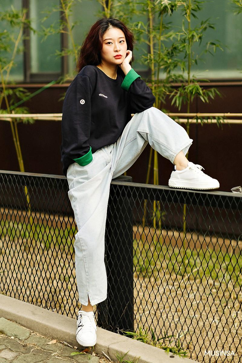 Không có lấy một set đồ bánh bèo, street style của con gái Hàn tuần qua toàn những ca cool ngầu siêu hút mắt - Ảnh 9.