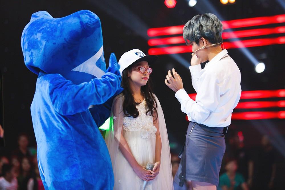 Giọng hát Việt nhí: Cậu bé 11 tuổi thần tượng cố nghệ sĩ Trần Lập khiến Bảo Anh thổn thức - Ảnh 4.