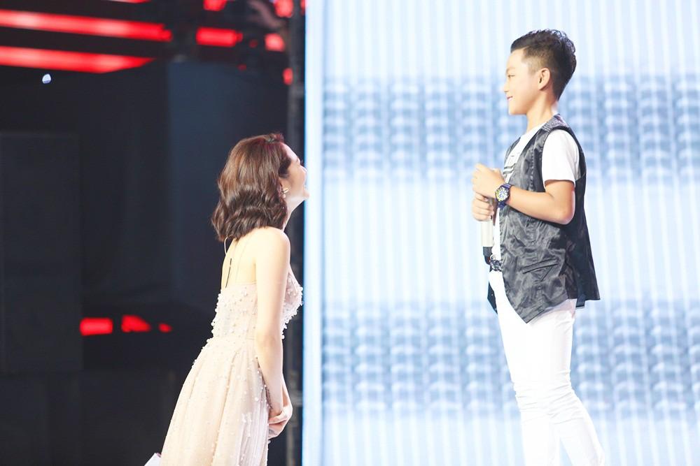 Giọng hát Việt nhí: Cậu bé 11 tuổi thần tượng cố nghệ sĩ Trần Lập khiến Bảo Anh thổn thức - Ảnh 1.