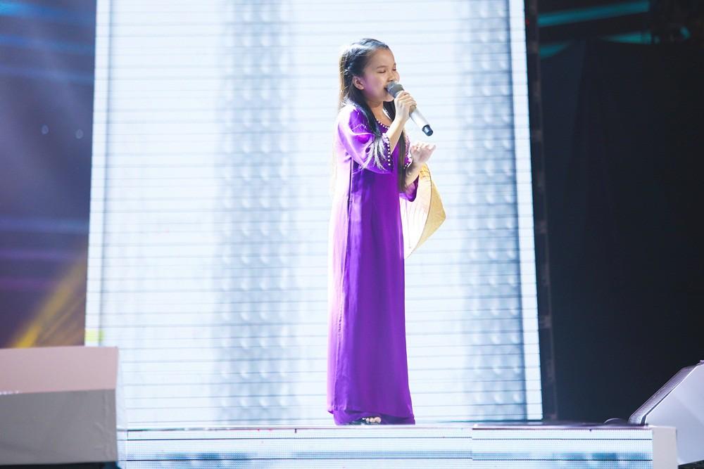 Giọng hát Việt nhí: Cậu bé 11 tuổi thần tượng cố nghệ sĩ Trần Lập khiến Bảo Anh thổn thức - Ảnh 10.