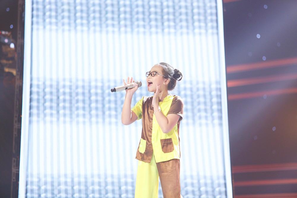Giọng hát Việt nhí: Cậu bé 11 tuổi thần tượng cố nghệ sĩ Trần Lập khiến Bảo Anh thổn thức - Ảnh 5.