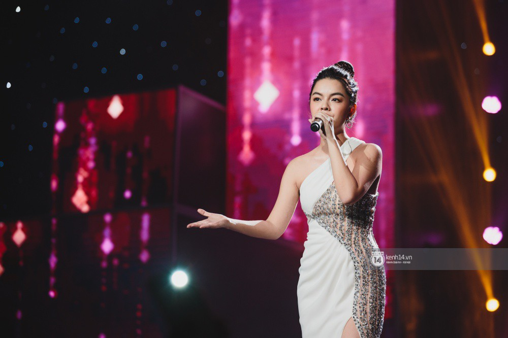 Khoảnh khắc đẹp của dàn sao Việt-Hàn trong show diễn đêm qua khiến khán giả bùng nổ - Ảnh 23.