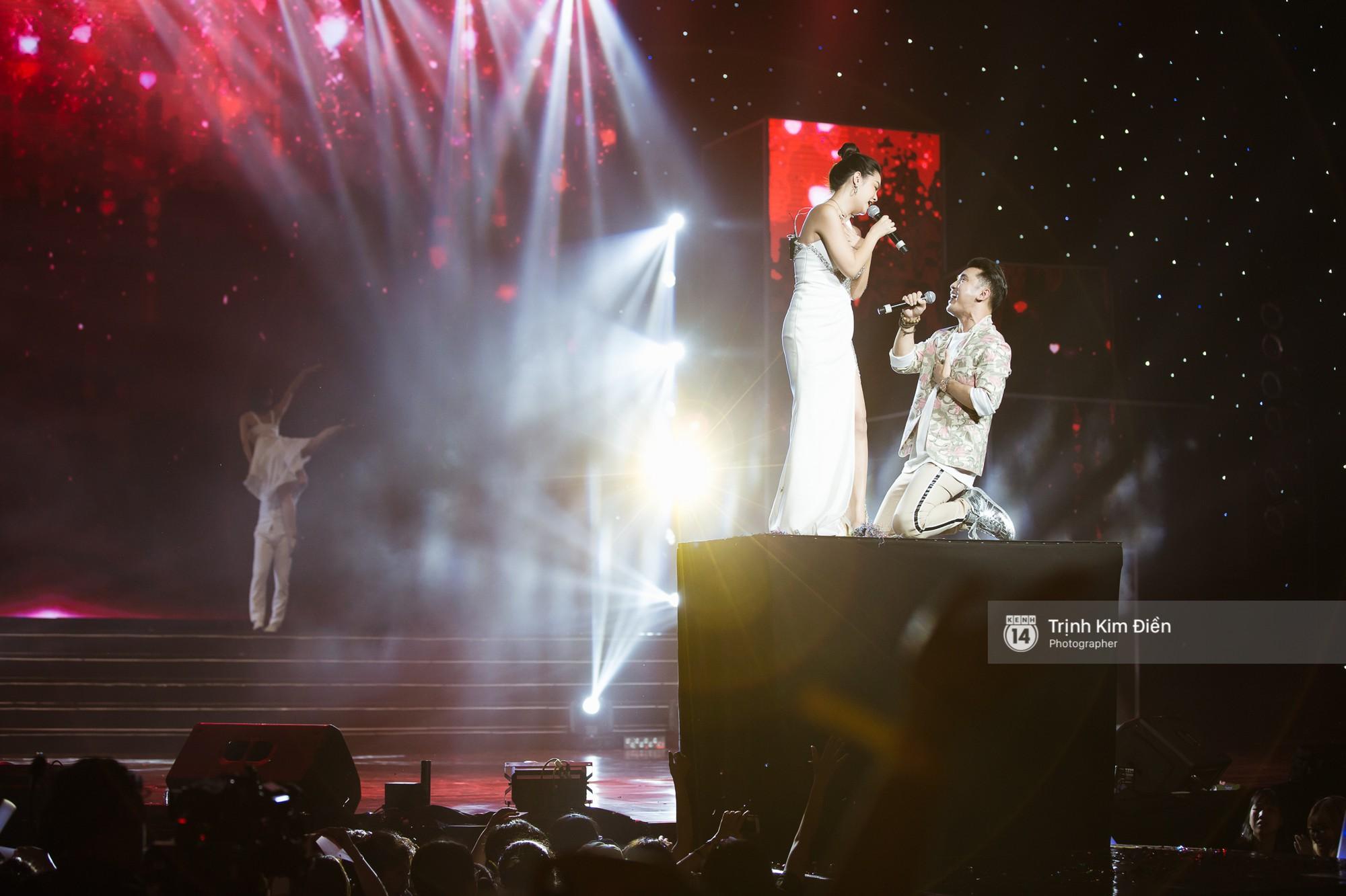 Khoảnh khắc đẹp của dàn sao Việt-Hàn trong show diễn đêm qua khiến khán giả bùng nổ - Ảnh 29.