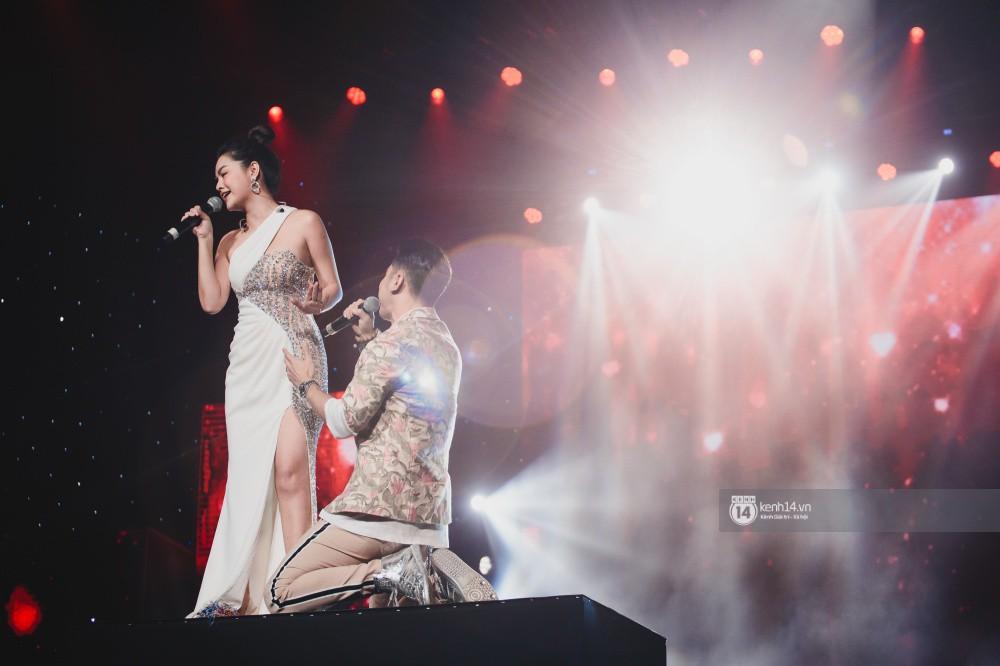 Khoảnh khắc đẹp của dàn sao Việt-Hàn trong show diễn đêm qua khiến khán giả bùng nổ - Ảnh 30.