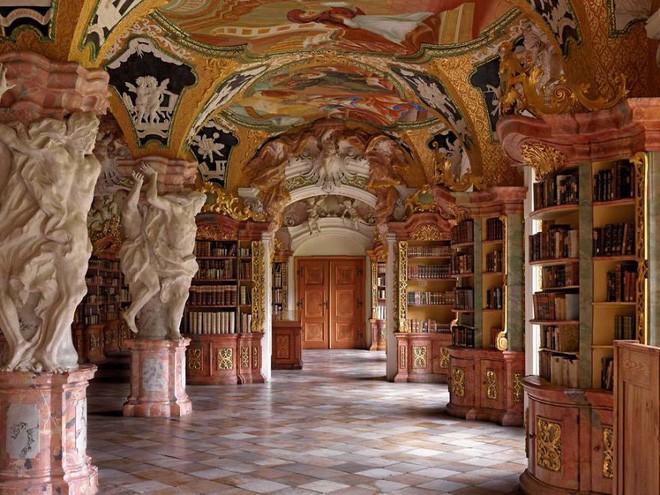 Nhiếp ảnh gia người Ý thực hiện cuộc hành trình đi tìm thư viện đẹp nhất thế giới, và đây là những gì anh ấy ghi lại được - Ảnh 5.