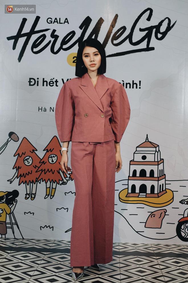 Jolie Nguyễn bất ngờ kín đáo, Hương Giang mặc váy bodycon sexy chết người trong đêm Gala Here We Go 2018 - Ảnh 5.